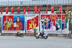 Phố phường Hà Nội rực rỡ trước ngày hội non sông
