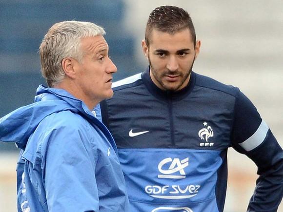 HLV Deschamps tiết lộ lý do gọi lại Benzema vào tuyển Pháp