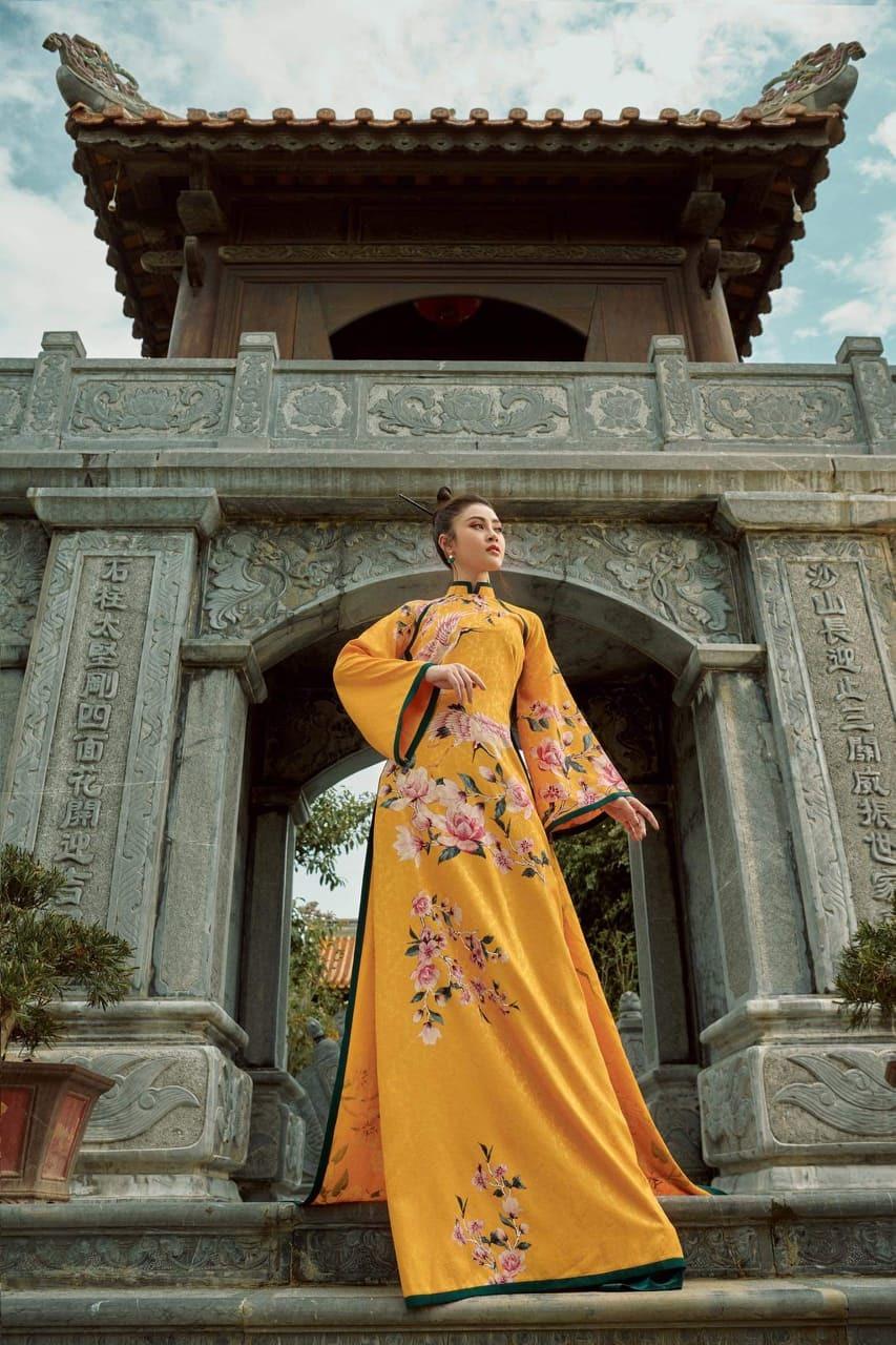 Nhà thiết kế thời trang Nhật Dũng nguy kịch, bị bệnh viện trả về