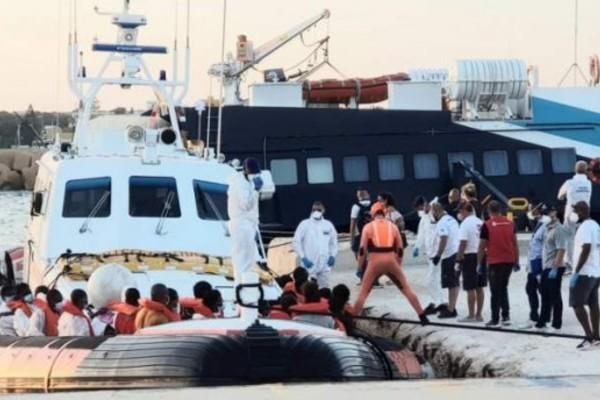 Bỉ giải cứu hàng chục người Việt trôi dạt trên biển