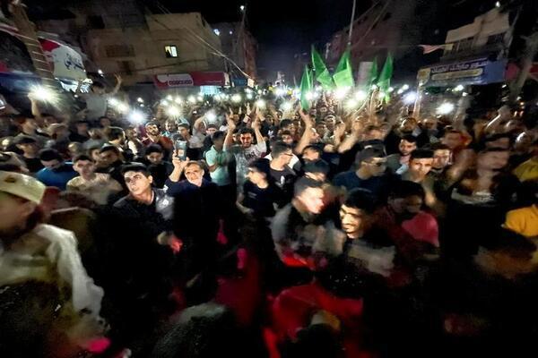 Người dân Dải Gaza ăn mừng lệnh ngừng bắn với Israel