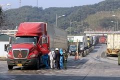 Bắc Giang cử 'đội đặc nhiệm' lên cửa khẩu xuất hàng sang Trung Quốc