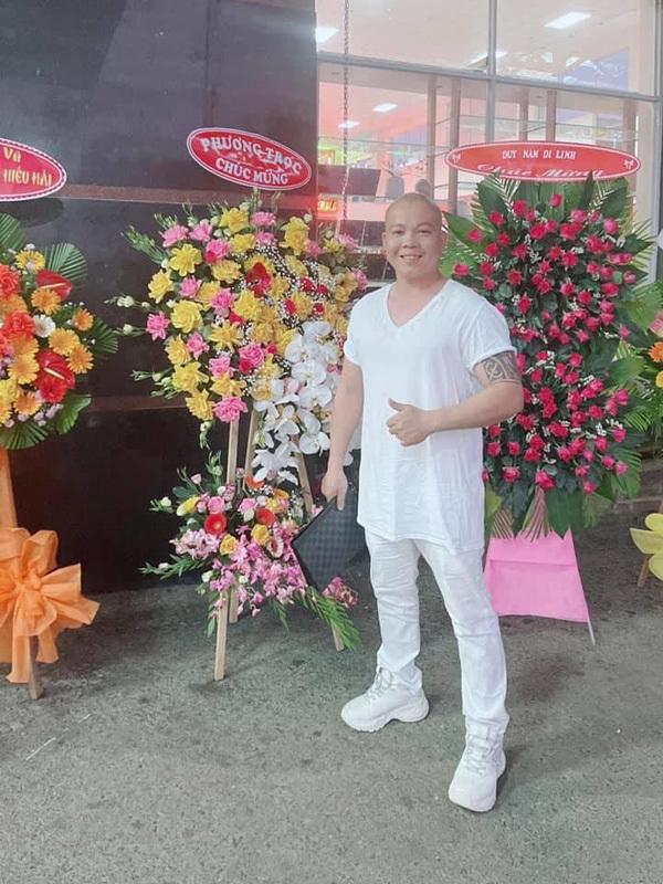 Ông chủ 8X sở hữu vườn lan 800 chậu đa sắc ở TP.HCM
