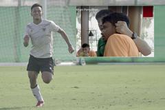 Cầu thủ Indonesia bị HLV nhéo tai vì chuyện ăn uống