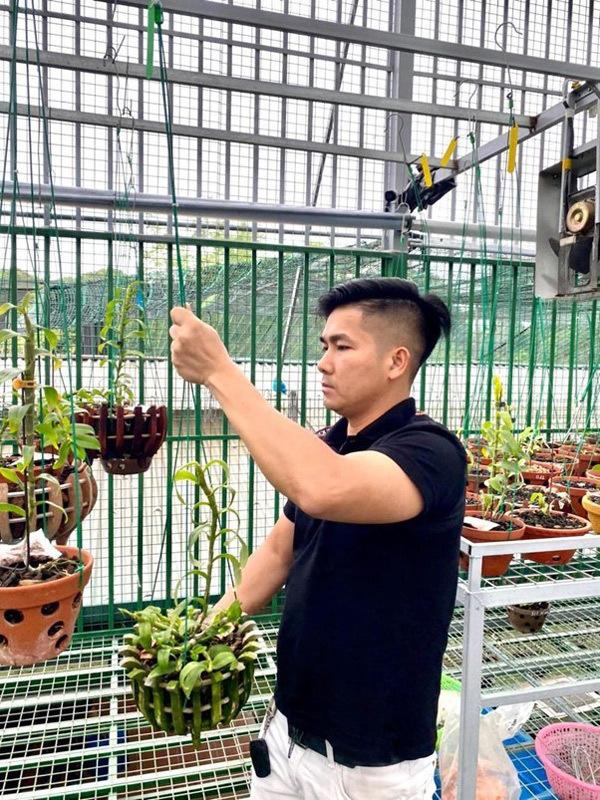 Mong muốn học hỏi không ngừng của ông chủ vườn lan hàng nghìn mét vuông