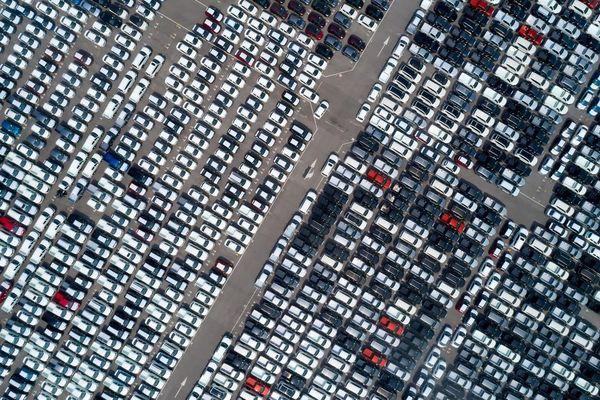 Ngành xe hơi trầy trật chống đỡ cuộc khủng hoảng thiếu chip