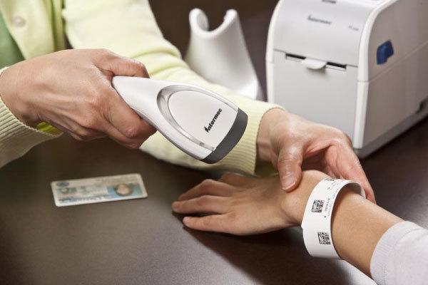 Đề xuất thử nghiệm vòng đeo tay chuyên dụng quản lý người cách ly