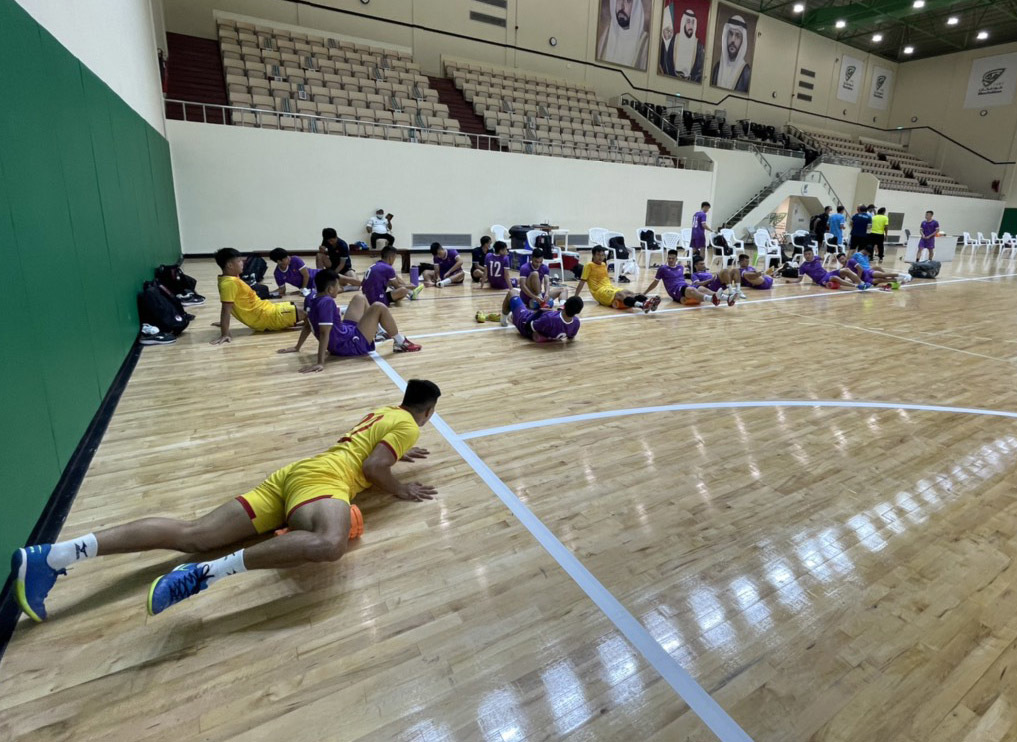 Tuyển futsal Việt Nam làm quen sân chính, sẵn sàng đấu Lebanon