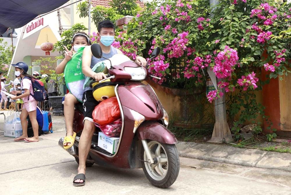 84 F1 'nhí' ở Vĩnh Phúc rời khu cách ly về nhà