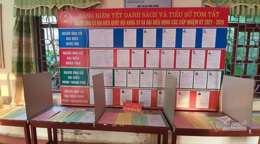 Cuộc điện thoại lúc 18h và cuộc bầu cử xuyên qua tâm dịch ở Bắc Giang