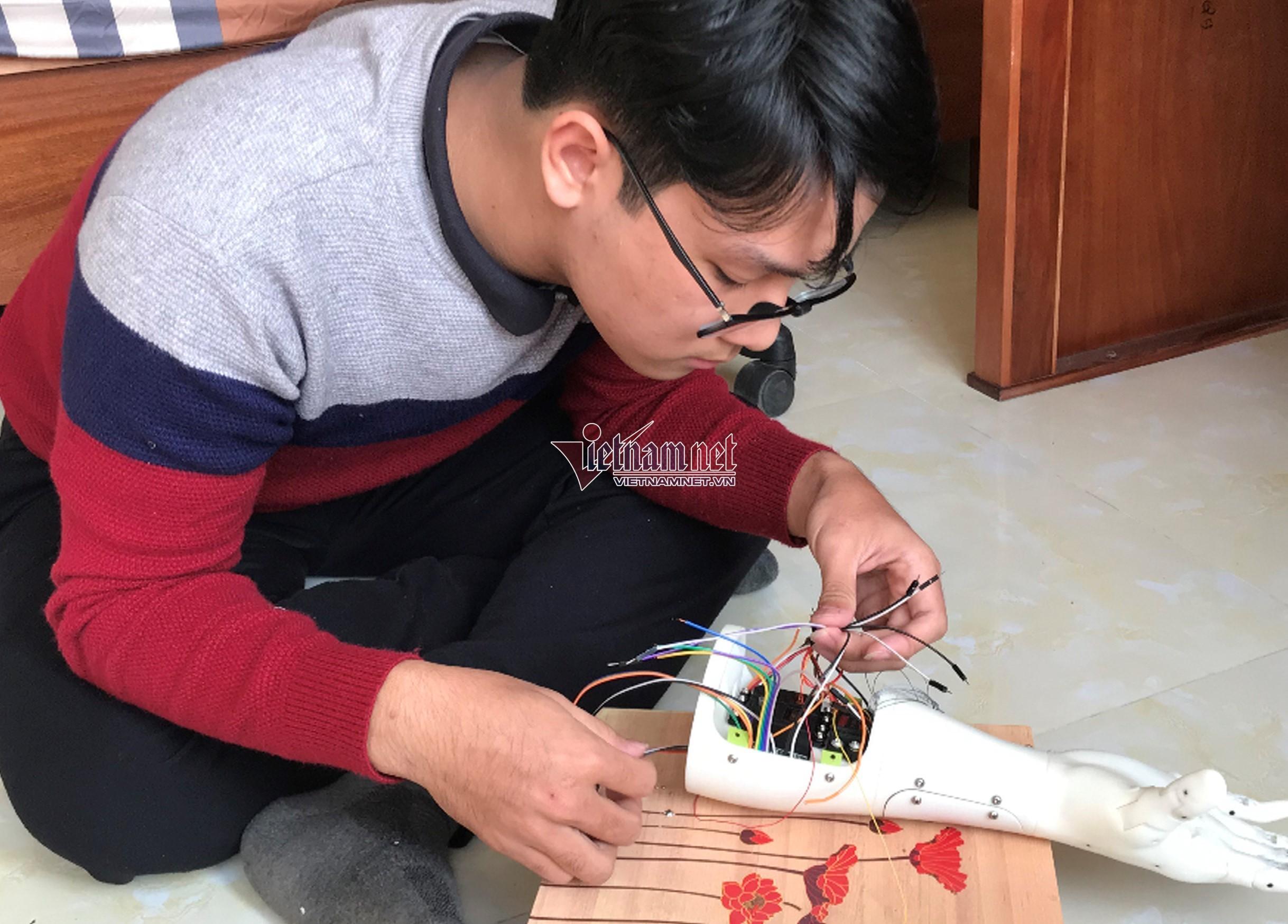 Điều đặc biệt ở 'cánh tay robot' đạt giải quốc tế của học trò Bắc Ninh