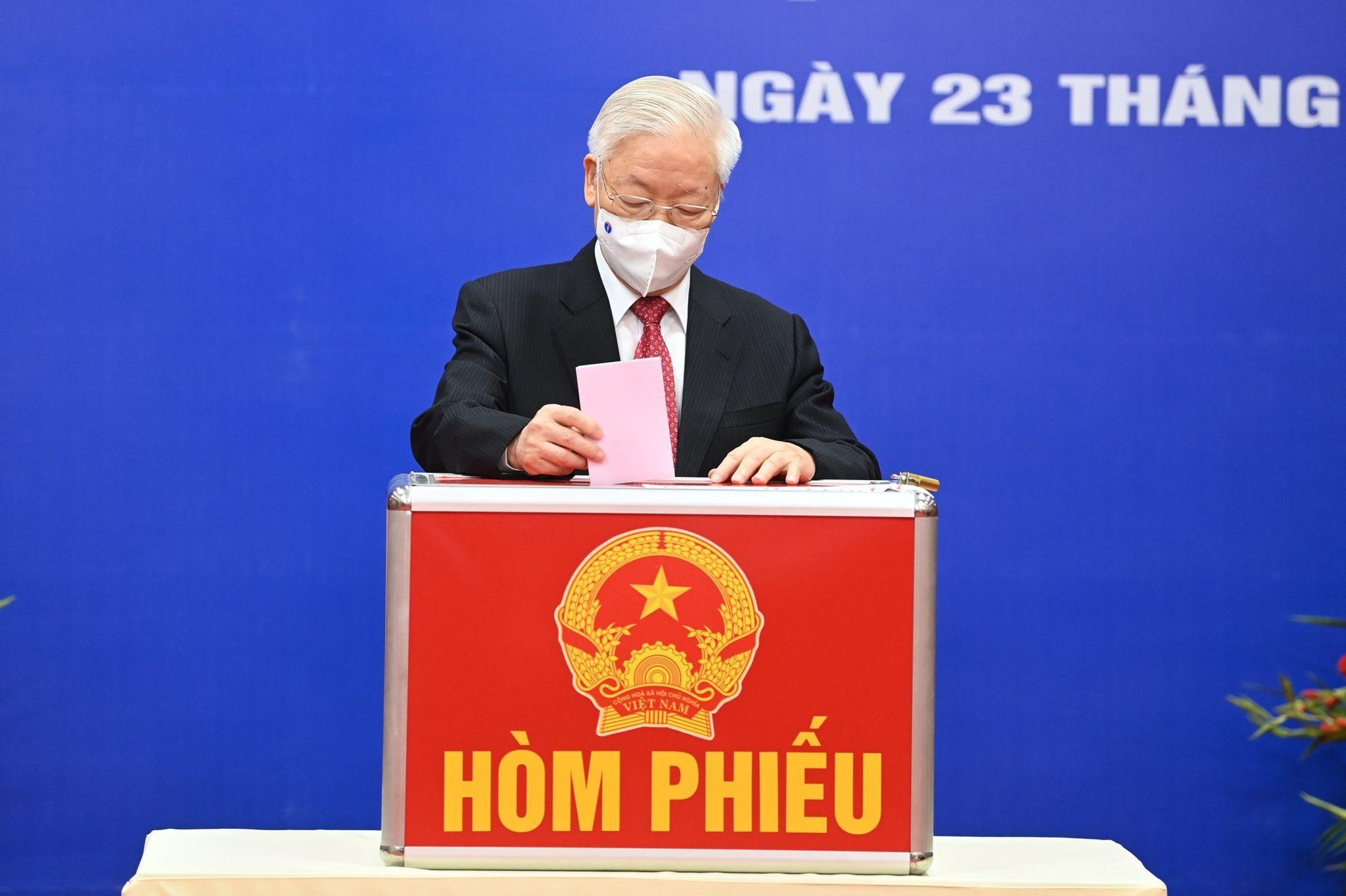 Tổng Bí thư, Chủ tịch nước, Thủ tướng, Chủ tịch Quốc hội bỏ phiếu sớm