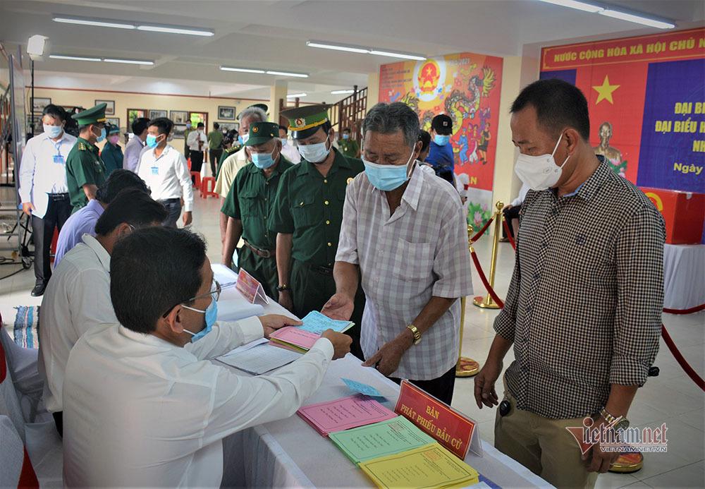 Cử tri đảo Trường Sa Lớn lần đầu bầu cử cùng thời điểm với cả nước