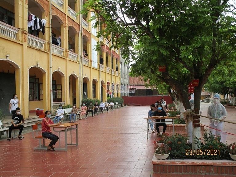 Giáo viên, HS đi bầu cử trong khu cách ly  ở Bắc Giang, Bắc Ninh, Hải Phòng
