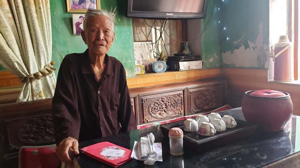 Cụ ông 101 tuổi ở Bắc Ninh: Tôi tự hào thực hiện quyền bầu cử thiêng liêng
