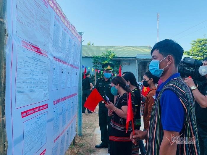 Lần bầu cử đầu tiên của hàng trăm công dân mới nhập tịch ở Quảng Trị