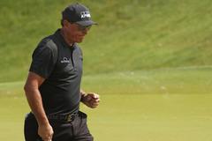 PGA Championship: Koepka bám sát Mickelson