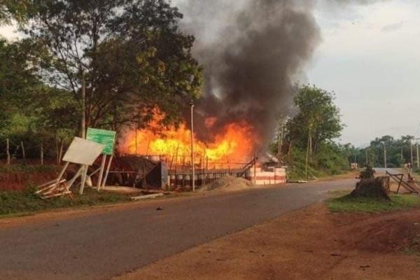 Giao tranh bùng nổ ở Myanmar, gần biên giới Trung Quốc