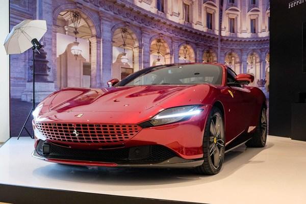 Siêu xe tầm giá 20 tỷ đồng, chọn Ferrari Roma hay Aston Martin DB11