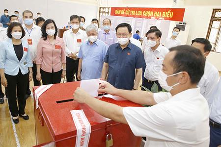 Chủ tịch Quốc hội vào tâm dịch Bắc Ninh, Bắc Giang kiểm tra bầu cử