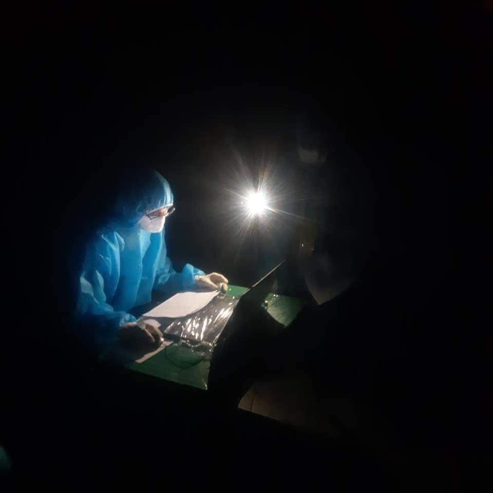 Nữ điều dưỡng ở tâm dịch Bắc Giang: Đóng bỉm, quên ăn uống, rất nhớ con