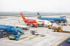 Chuyên gia: Chưa phải thời cơ 'vàng' để bỏ giá trần vé máy bay