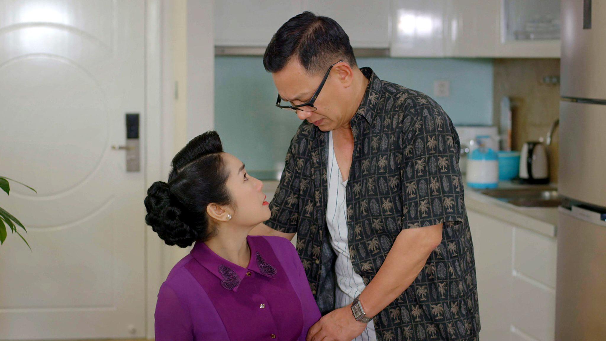 NSND Thu Hà nói về nụ hôn ngoài kịch bản với NSƯT Phạm Cường