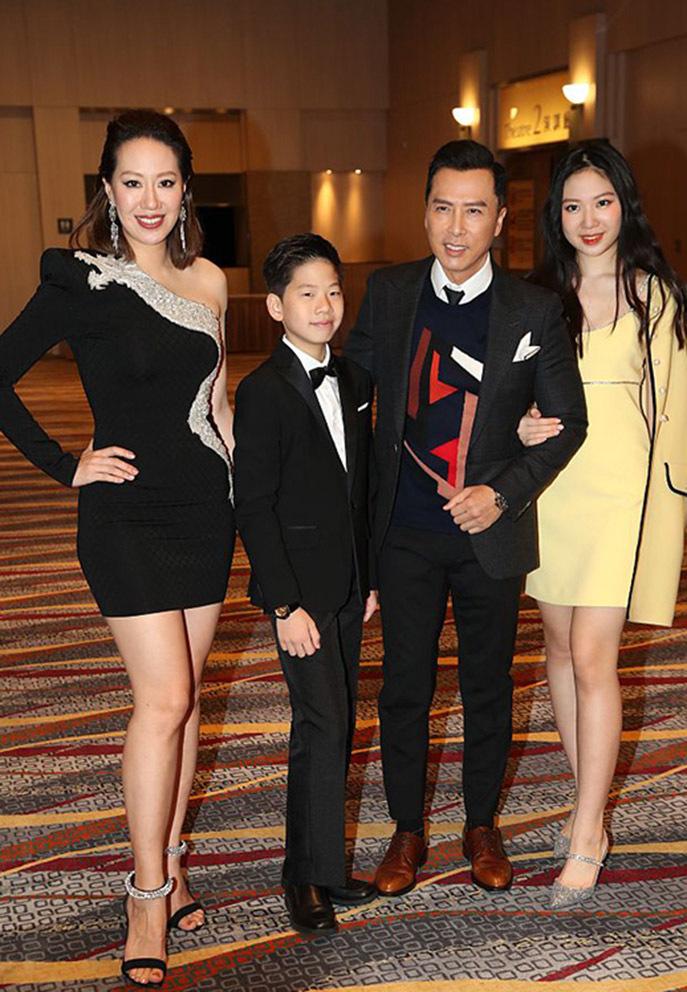 Chân Tử Đan U60 tài sản nghìn tỷ, hạnh phúc bên vợ kém 17 tuổi