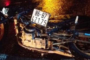 Truck driver discovers man under vehicle after traveling 20km