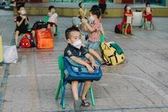 24 bé 5 tuổi đi cách ly tập trung ở Bắc Giang