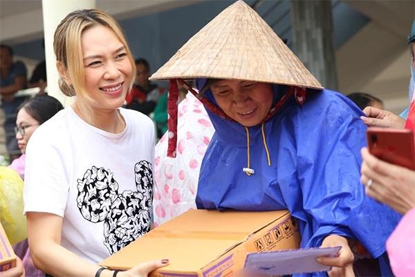 Mỹ Tâm, Đàm Vĩnh Hưng góp hơn 600 triệu ủng hộ Bắc Giang