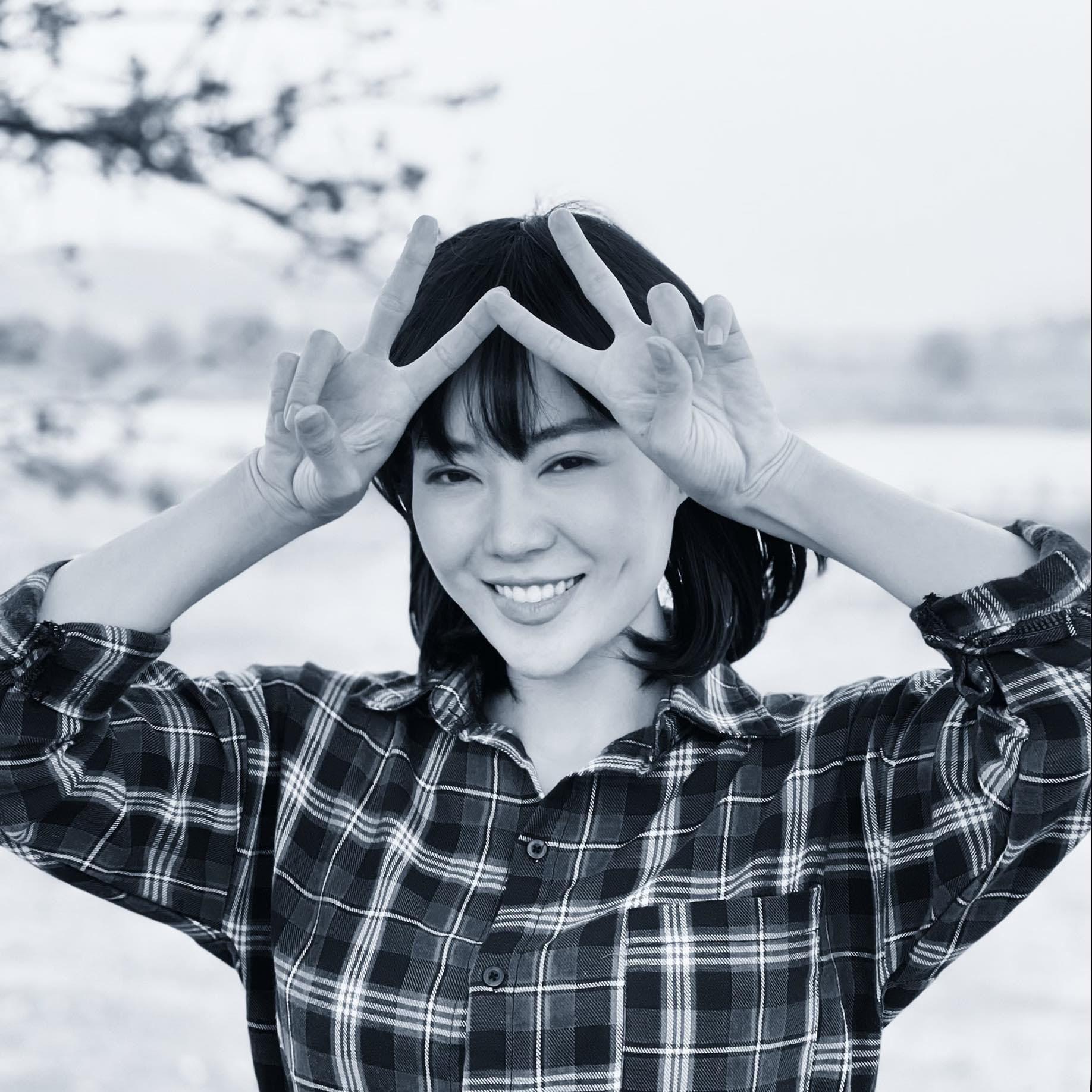 Thanh Hương sắm hơn 100 chiếc áo sơ mi cho vai diễn mới