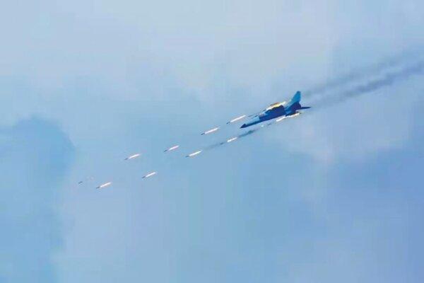 Máy bay Trung Quốc diễn tập bắn đạn thật ở Biển Đông