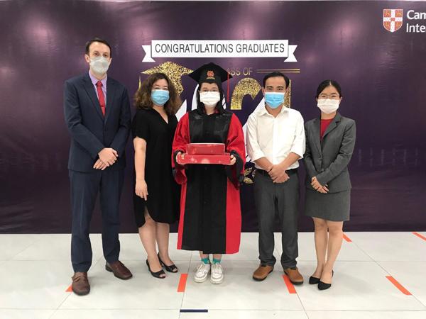 Lễ bế giảng đặc biệt của trường Quốc tế Việt Úc