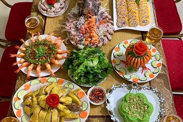 Netizens admire meals prepared by Vietnamese man in Africa