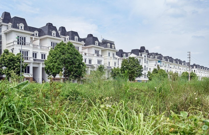 Taxing unoccupied villas: one solution for creating fair housing market