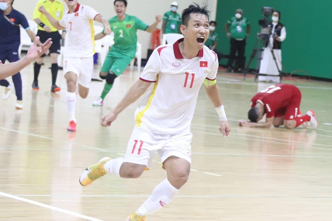 Tuyển Futsal Việt Nam vỡ òa sung sướng khi ẵm vé World Cup