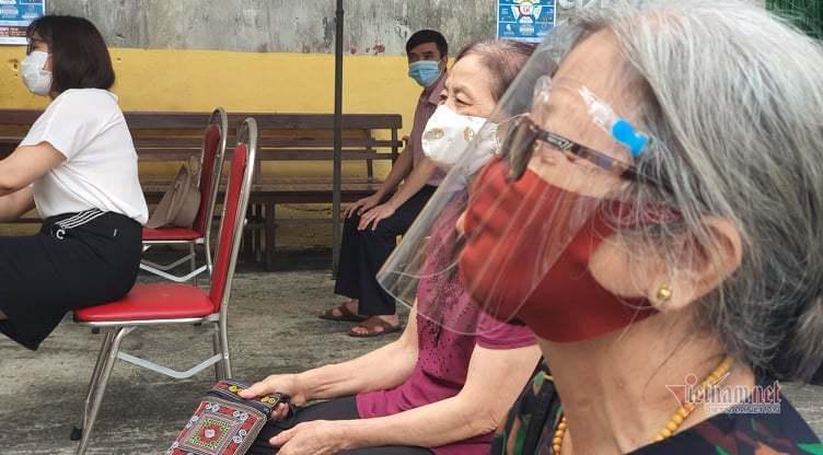 Tăng 375 ca dương tính, Bắc Giang test nhanh cho hơn 18.000 người ở Việt Yên