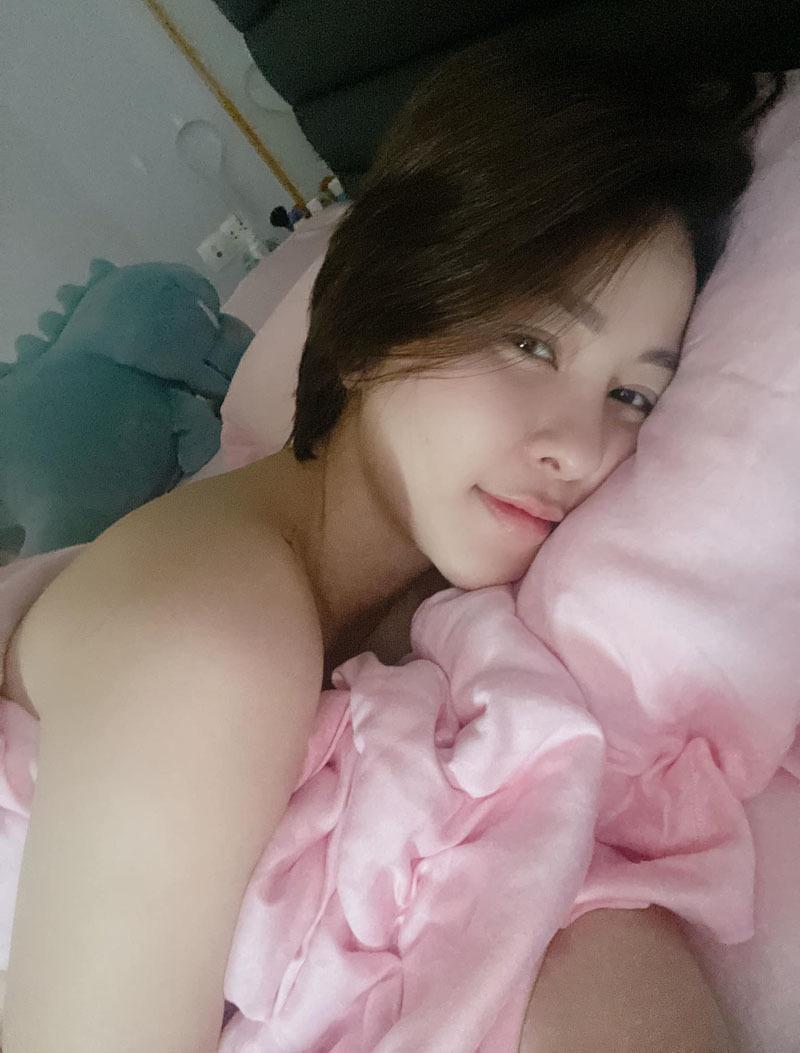 Hot girl Trâm Anh khoe hạnh phúc trong tình yêu mới