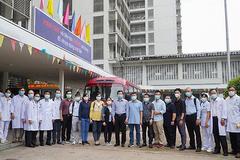 13 y bác sĩ BV Chợ Rẫy chi viện cho Bắc Giang chống dịch
