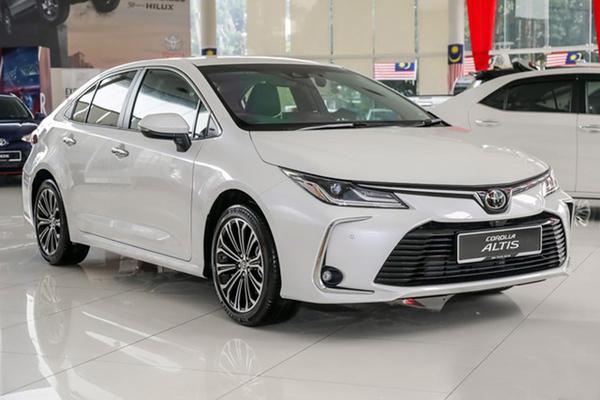 Kích cầu thị trường cuối tháng 5, nhiều xe giảm giá trăm triệu