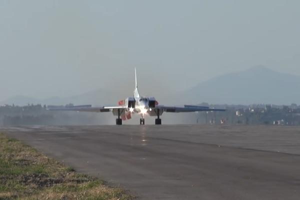 Nga triển khai máy bay ném bom tầm xa tới Syria