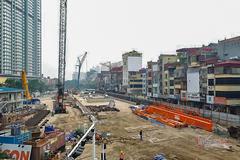 Cắt bỏ hàng ngàn dự án, tăng tiền thêm gần triệu tỷ đồng