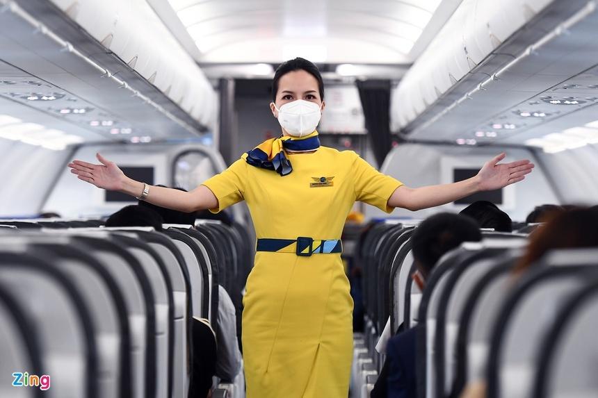 Giá vé máy bay gần chạm đáy