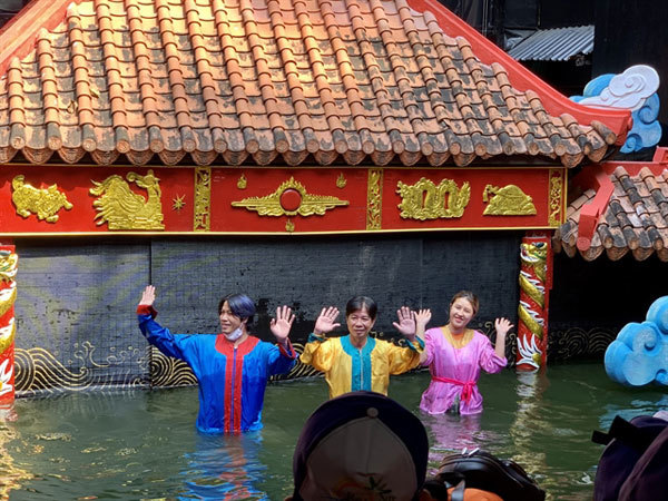 Traditional water puppetry looks to contemporarythemes as it seeks youngaudiences