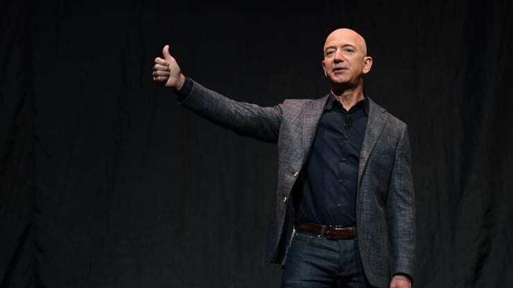 Tỷ phú Jeff Bezos sẽ từ chức CEO Amazon vào đầu tháng 7