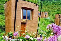 Sling-shaped bungalow resort sets Vietnam record