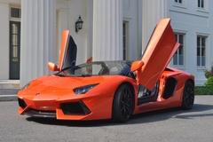 Thanh niên tuyệt thực 33 ngày vì muốn mua Lamborghini tặng bạn gái