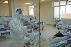 """5 bệnh nhân Covid-19 nặng, từng thở máy  vượt """"cửa tử"""""""