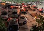 Bắc Giang: Xe cứu thương hối hả đưa cả nghìn công nhân đi cách ly trong đêm